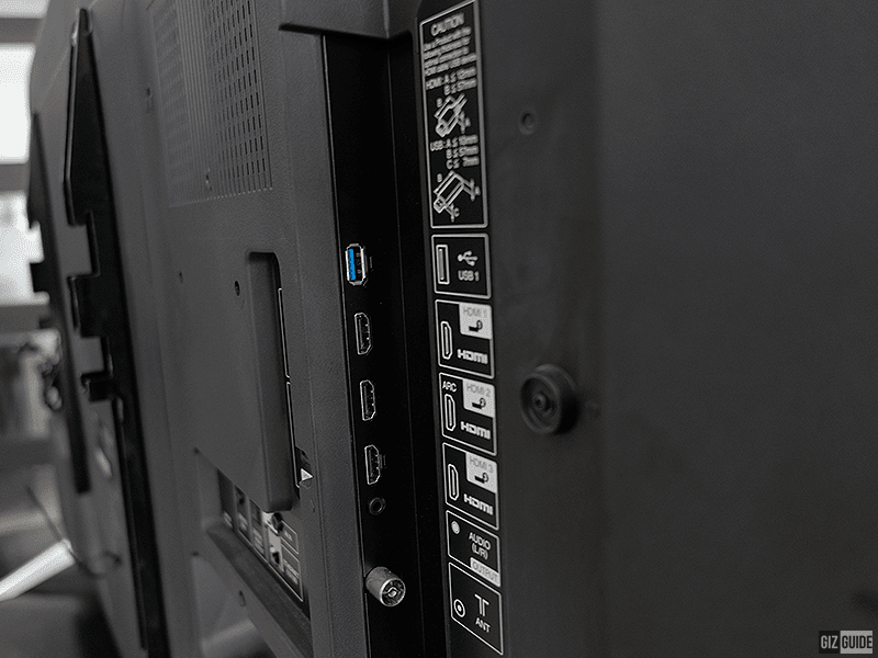 Side mounted ports