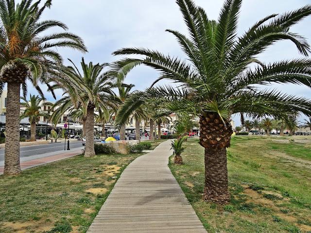 palmy i plaża w Rethymno jak wygląda?