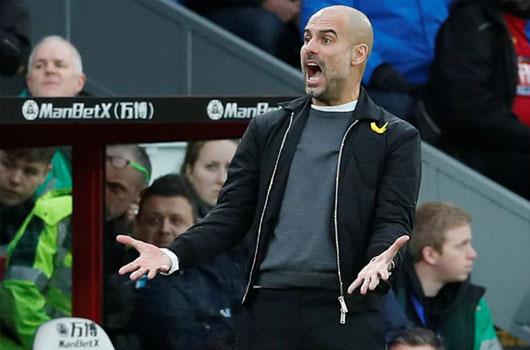 Man City thoát thua may mắn: Tan mộng kỉ lục, Pep lo ngay ngáy 3