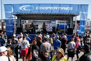 Plenty Of Entertainment Planned For 2016 NASCAR Weekend At LVMS