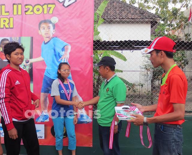 Siswi SMPK Petra Kediri Sabet Perunggu di Kejuaraan Tenis Persami Korwil 2 Jatim
