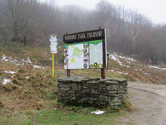 Przełęcz nad Roztokami Górnymi (słow. Ruské Sedlo; 801 m n.p.m.).