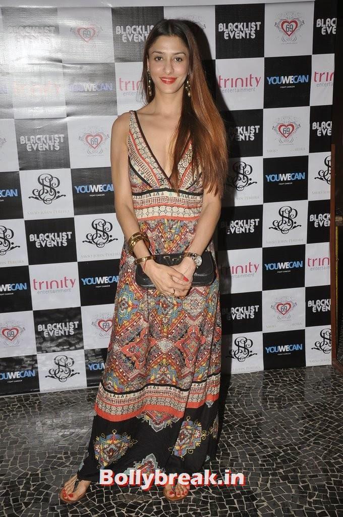 Shilpa Agnihotri, Gauahar Khan, Kushal Tandon, Sonal Chauhan & Karishma Tanna Snapped at Nitya Bajaj Fashion Show