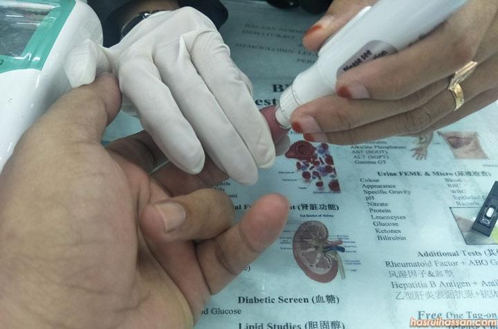 Test Gula Dalam Darah Dengan Alat Portable Gluco Dr.Auto