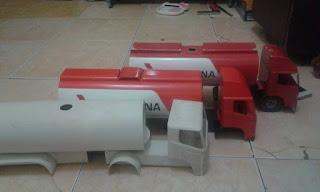 Miniatur truck Tangki Pertamina