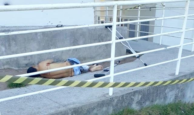 Homem é assassinado com vários tiros dentro de condomínio, na Zona Sul da capital paraibana