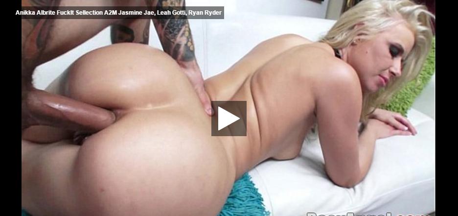 Annie lesbian shower-5075