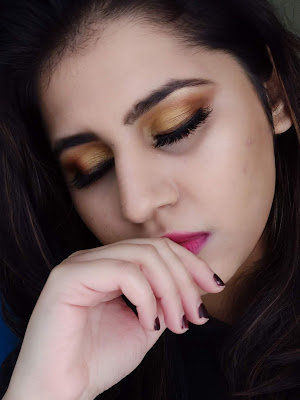 Niharika Verma - Top 5 Eyeshadow Palettes in India under Rs.1000/- and their Swatches - SUGAR Cosmetics GoldenEye