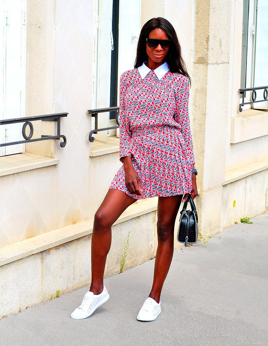 idee-look-chic-tendance-ensemble-zara-baskets-blanches-jupe-plissee-top-imprimle