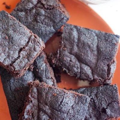 The Best EASY Keto Brownies #Brownies #ketobrownies #easydessert #ketodiet #cake #whole30 #dessert