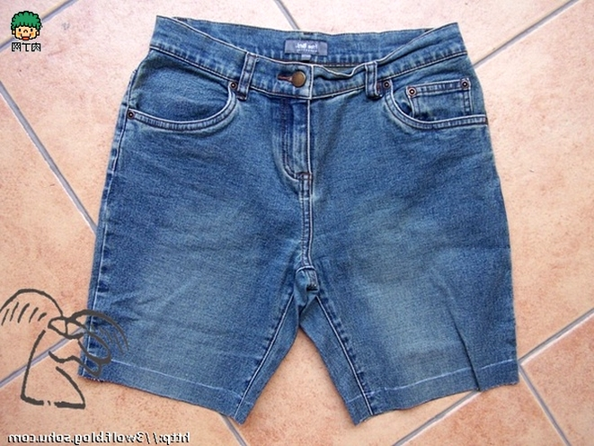 How to sew shorts from old jeans.