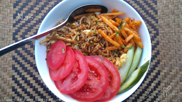 Nasi, chicken, fried rice