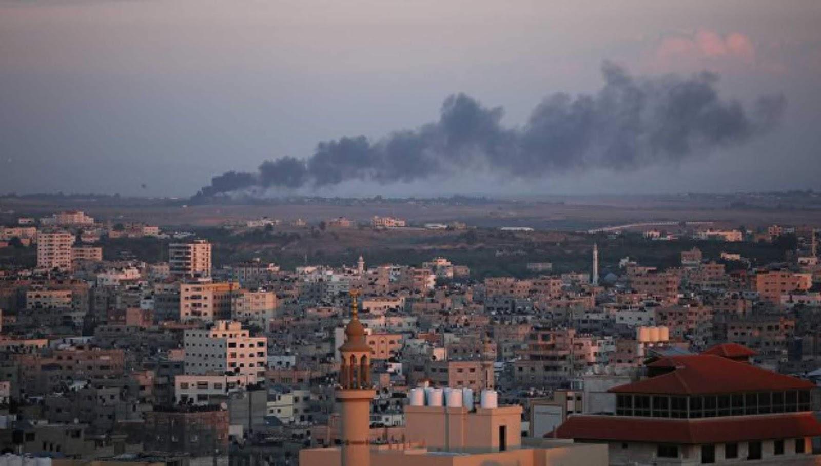 Sebuah helikopter tempur menyerang sebuah pos Hamas di Gaza