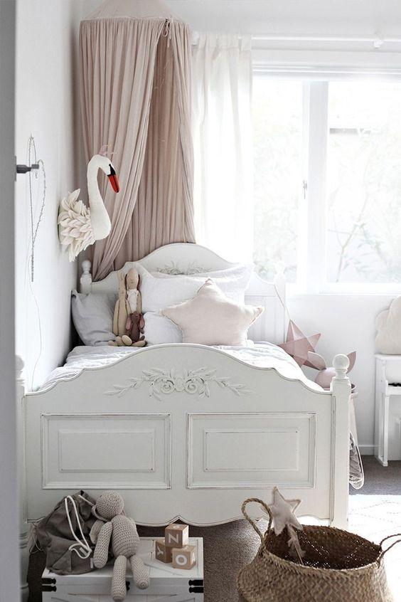 Idee Per I Bambini : Arredamento della camera da letto per bambina ...