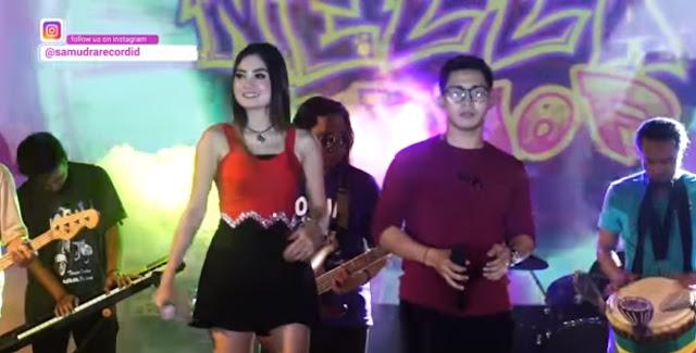 Video Dangdut Populer Nella Kharisma - Aku Cah Kerjo Feat Prabu