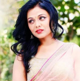 Prarthana Behere Family Husband Son Daughter Father Mother Marriage Photos Biography Profile.