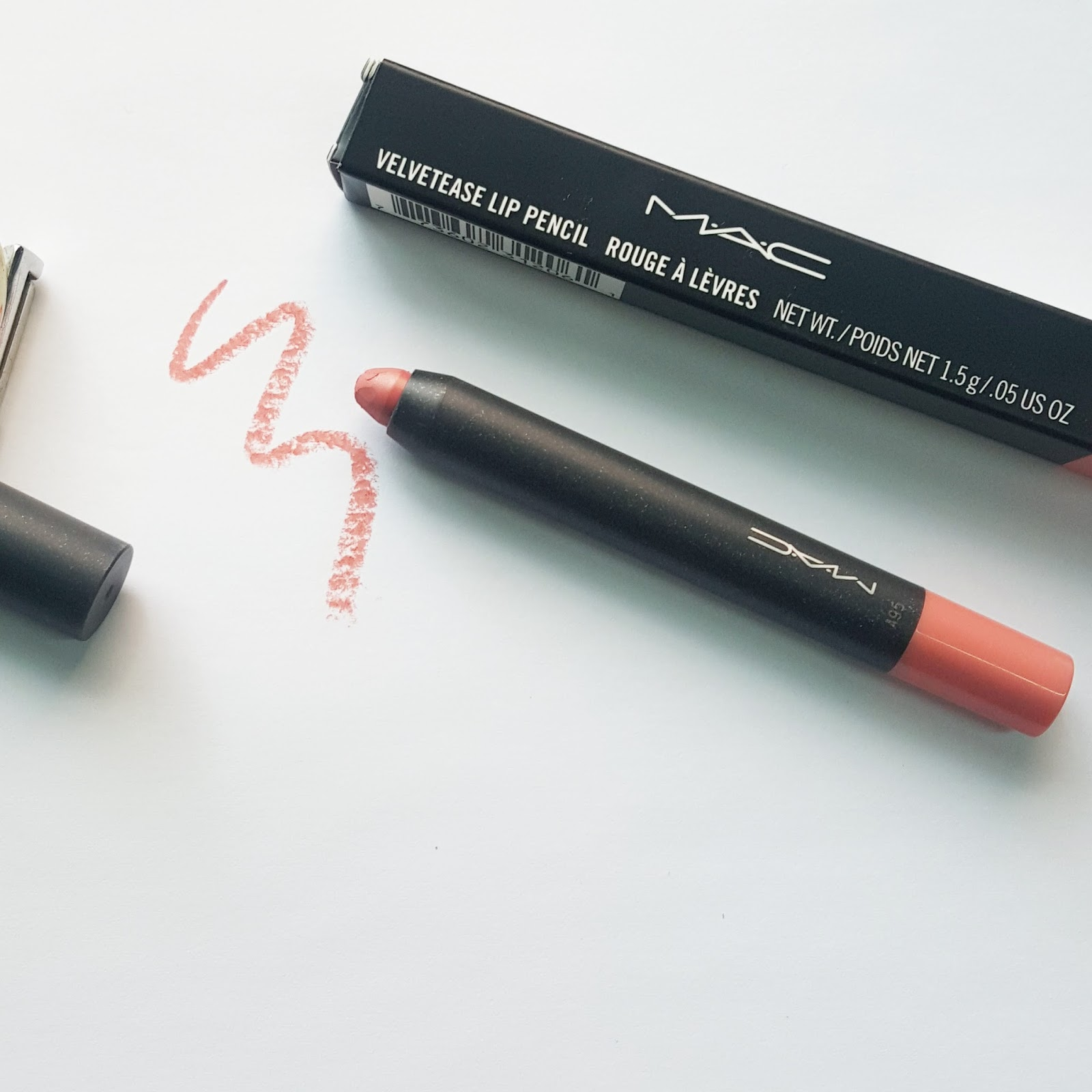 Conosciuto RIDZI MAKEUP: M.A.C VELVETEASE LIP PENCIL IN FROLIC REVIEW SWATCH MO72