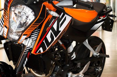 KTM 200 Duke front look image