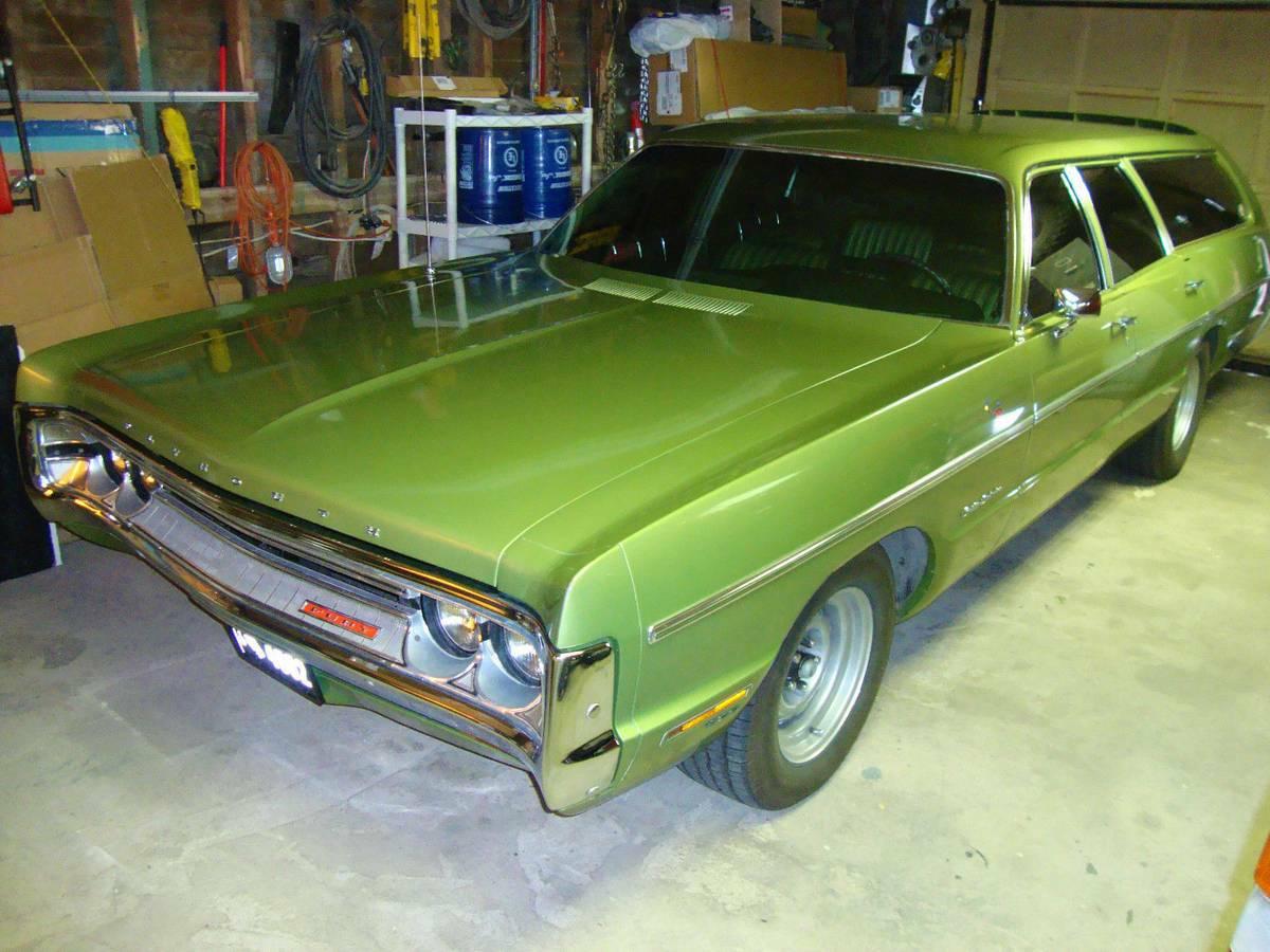 Daily Turismo Nuclear Frog Barf Green 1971 Plymouth Fury Custom Suburban Wagon