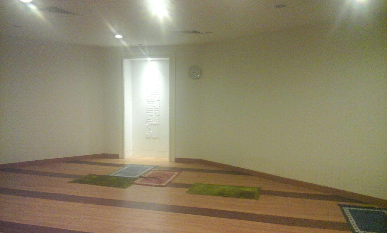 Sholat Dimana Sandal Wudhu Masjid Mushola Kantor Hotel Musholla Besar Dan Banyak Tempat Oke Bersih Ruangan Juga Nyaman Adem Untuk Pakai Sepatu Ada Bangkunya
