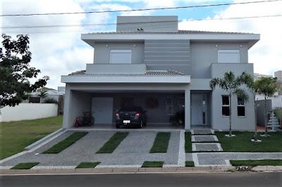 A residência foi concluída no início de 2017, com grande fidelidade ao projeto.