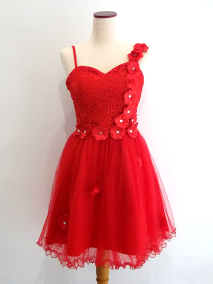 Gaun Pesta Pendek Merah Brokat Tile