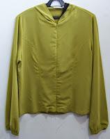 blusa com capuz Seiki tamanho 40