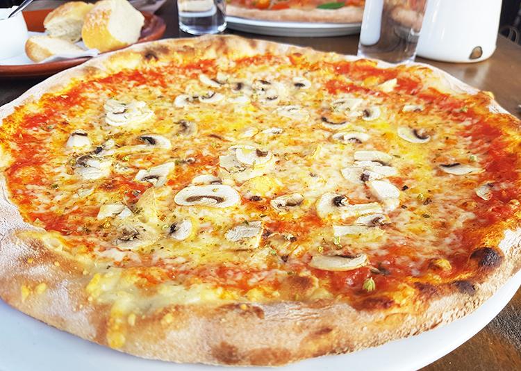 Pizza aux champignons
