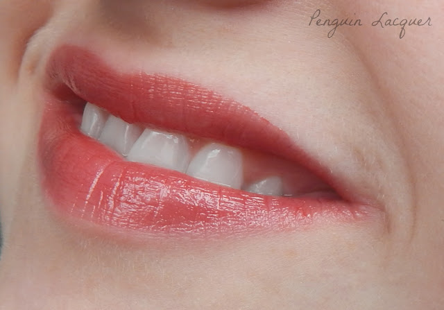 Kiko Creamy Lipgloss 113 mouth open