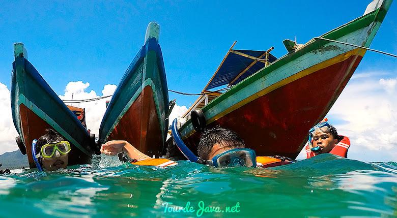perahu wisata dan jelajah taman nasional ujung kulon