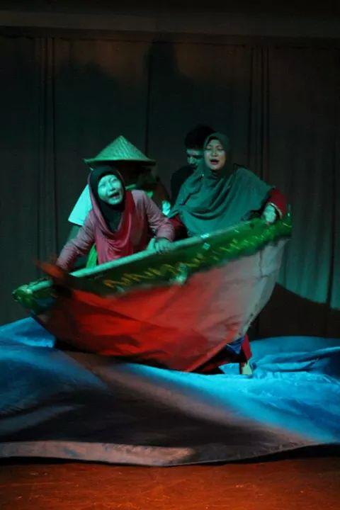 Teater Kontemporer : teater, kontemporer, Teater,Jenis, Unsur, Terdapat, Dalamnya, Bahrudin