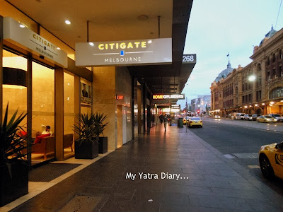 Flinders street station and Hotel Citigate, Melbourne  placed opposite