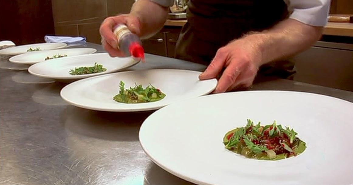La naturaleza en casa Cocina de vanguardia con elementos