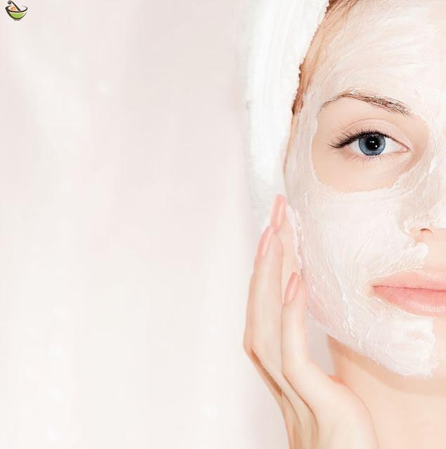 أسهل عشرة خلطات لتبيض الوجه، بمكونات بسيطه وموجود في المطبخ وهي مفيدة لصحة البشرة وهي تساعد أيضا في التخلص من الشوائب وعلاج مشاكل البشرة.