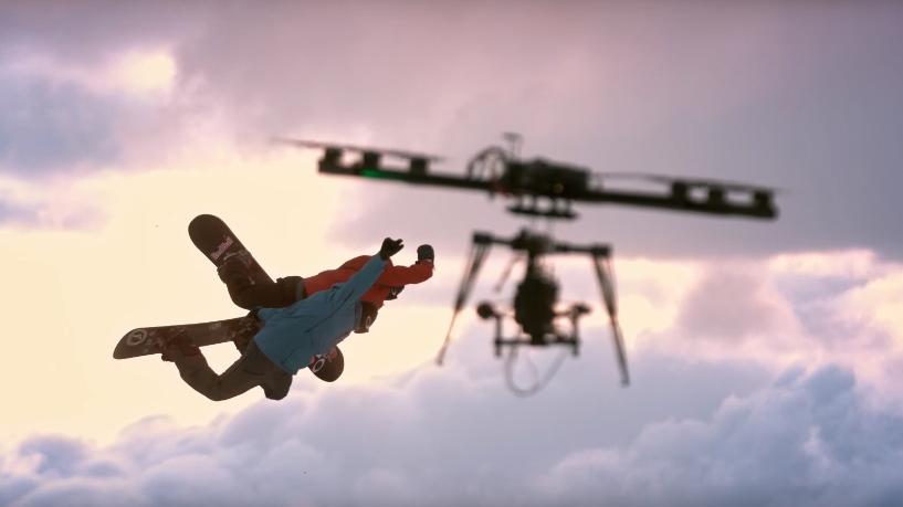 Подборка лучших эпизодов снятых с помощью квадрокоптеров в 2016 году