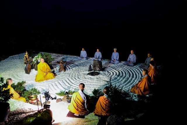 Tăng Sư tại chùa Linh Quy Pháp Ấn