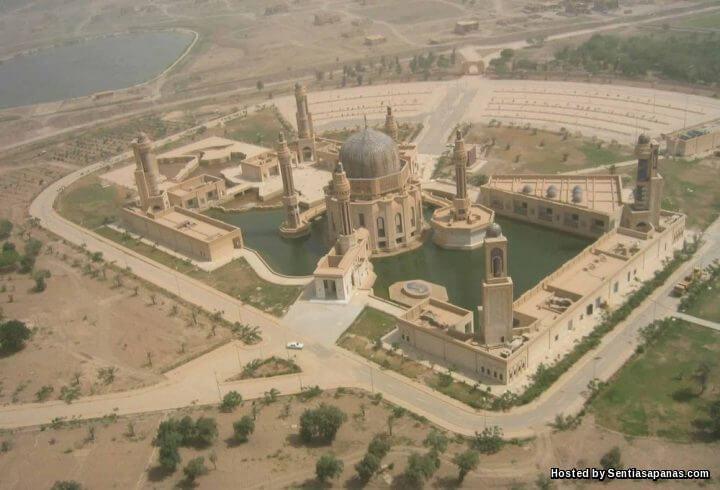 Masjid Saddam Hussein Yang Tidak Siap Dibina