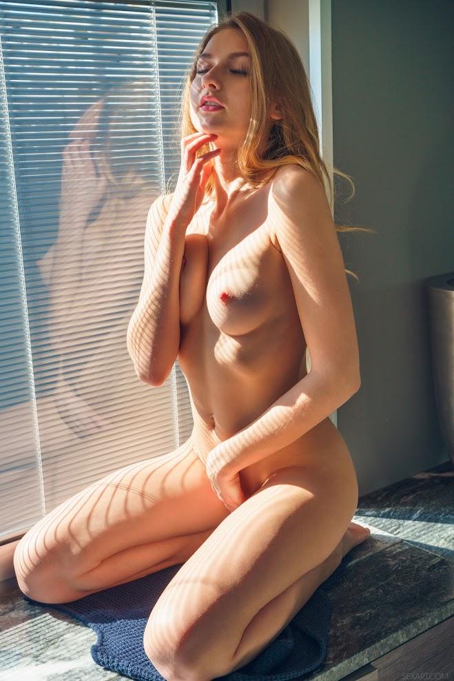 8663314961 [Sex-Art] Amelia Gin - Ray of Light