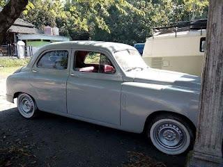 BURSA MOBIL ANTIK : Dijual Fiat Sedan Antik 1950
