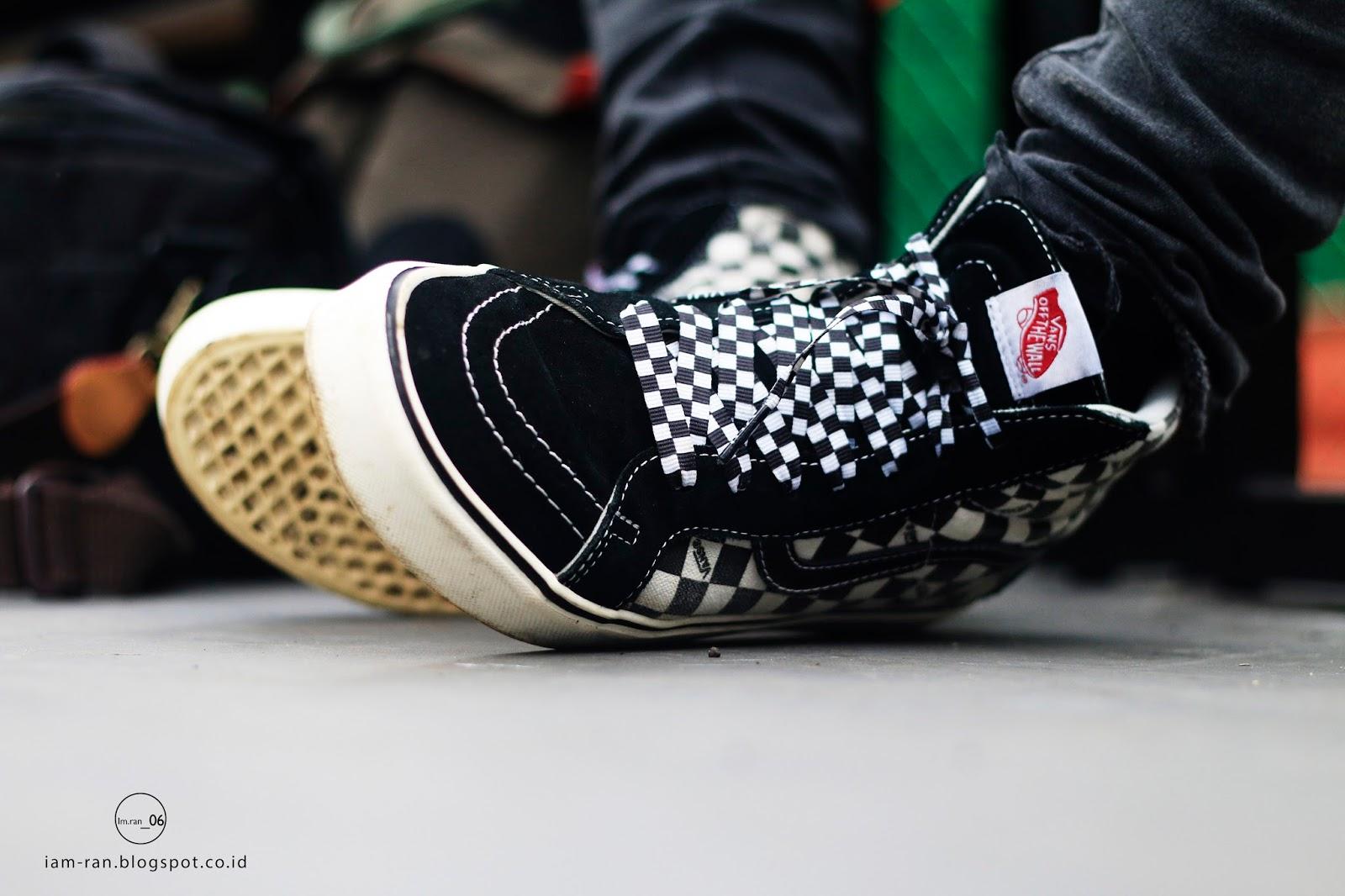 7499760c7b9 IAM-RAN  ON FEET   Dayu - Vans vans sk8 hi black checkerboard