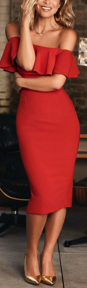 summer outfit idea: beautiful red dress