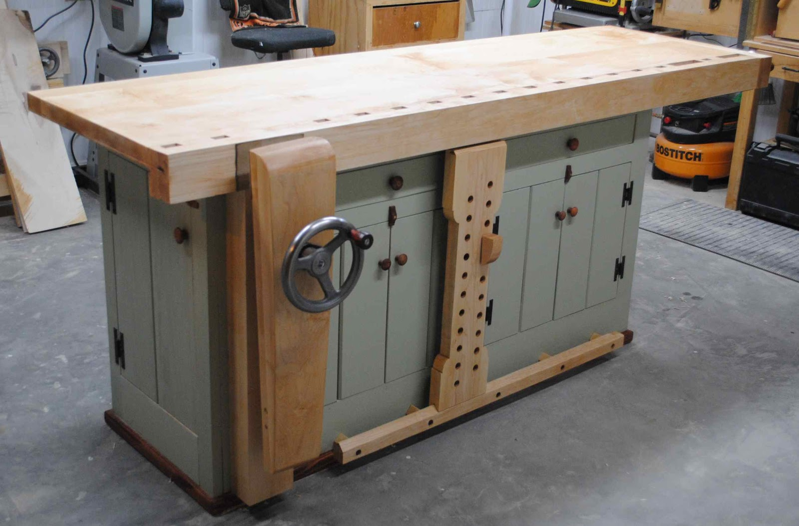 Woodwork Using A Woodworking Bench PDF Plans