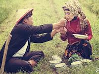 Bahagiakan Hati Istrimu, Maka Rejeki Akan Berlarian Mengejarmu, Share Agar Dibaca Para Suami!