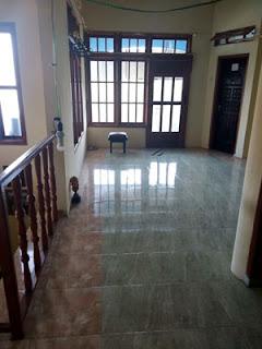 Lantai atas rumah di Jl. Ontoseno VII No. 49 Malang