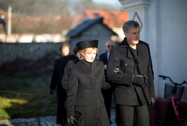 Crown Princess Margareta of Romania, Prince Radu, Princess Elena, Princess Maria and Irina Walker, attended the Christmas Day Service and memorial mass at the Savarsin Orthodox Church