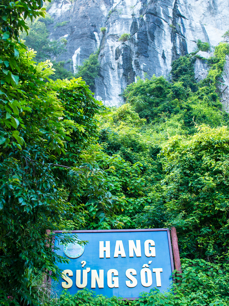 Hang sung sot cave entrance