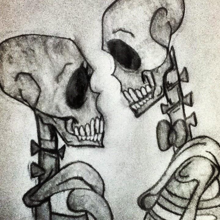 17b827579e Két csontvázat rajzoltam megyek szerelmesen néztek egymásra. Beleadtam  minden érzelmemet. Csontváz azért mert üres és törékeny mint ahogy én most.  Szerelmes ...