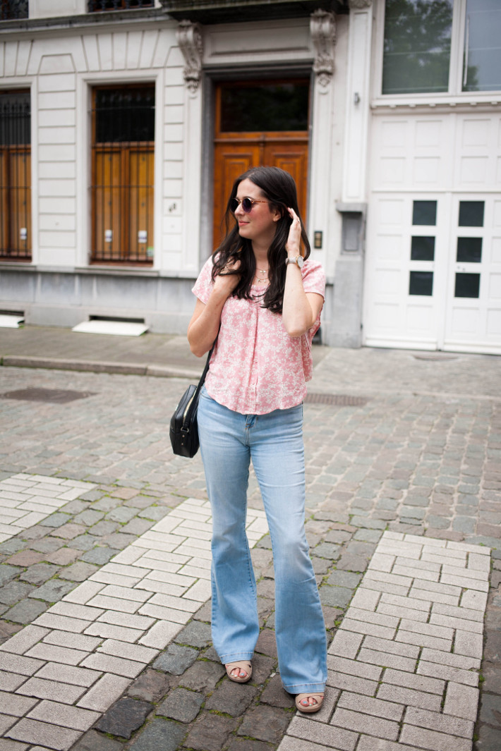 Outfit: denim flares, floral top