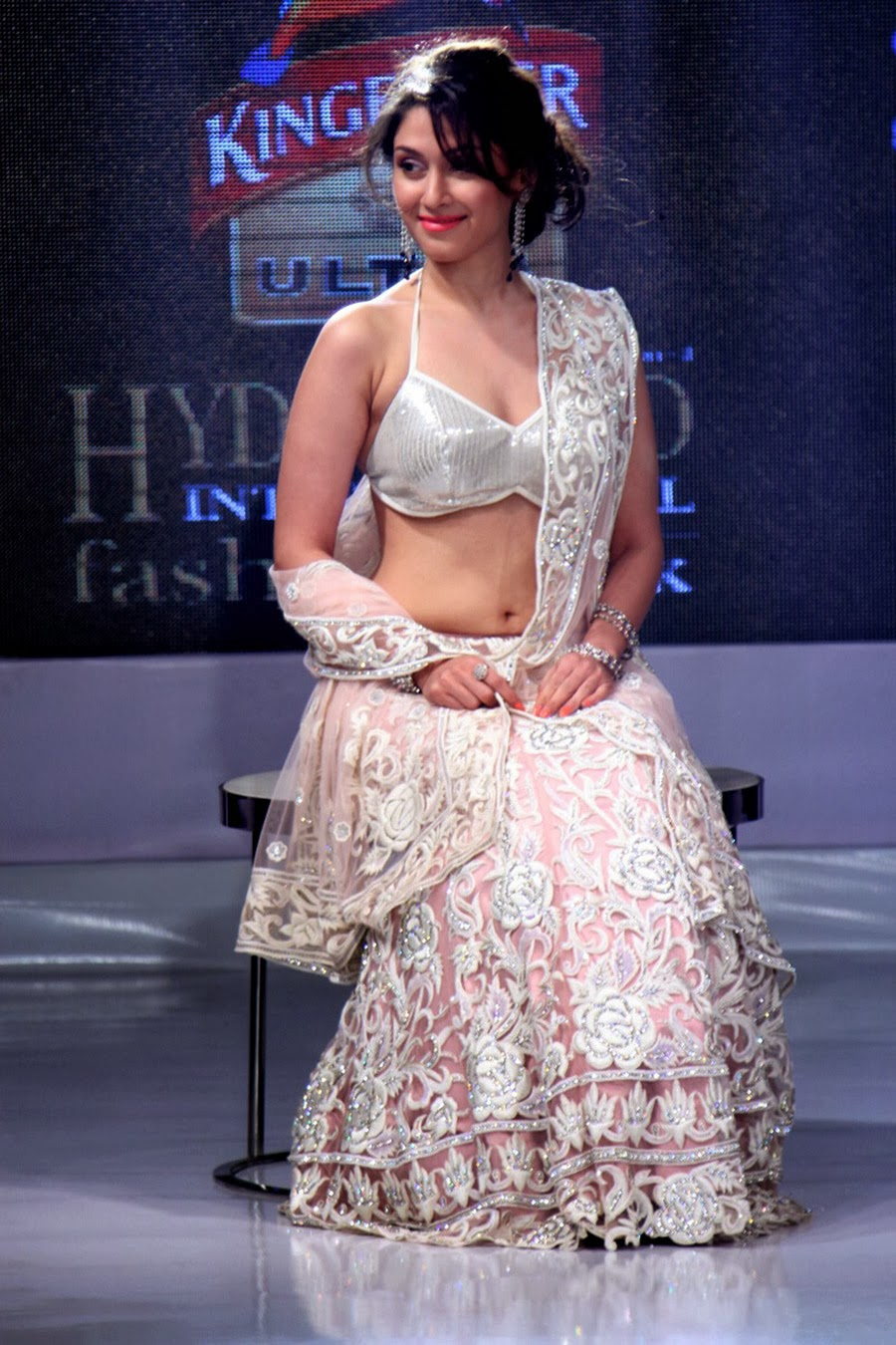 Manjari Phadnis Gorgeous Ramp Walk Photos-HQ-Photo-13