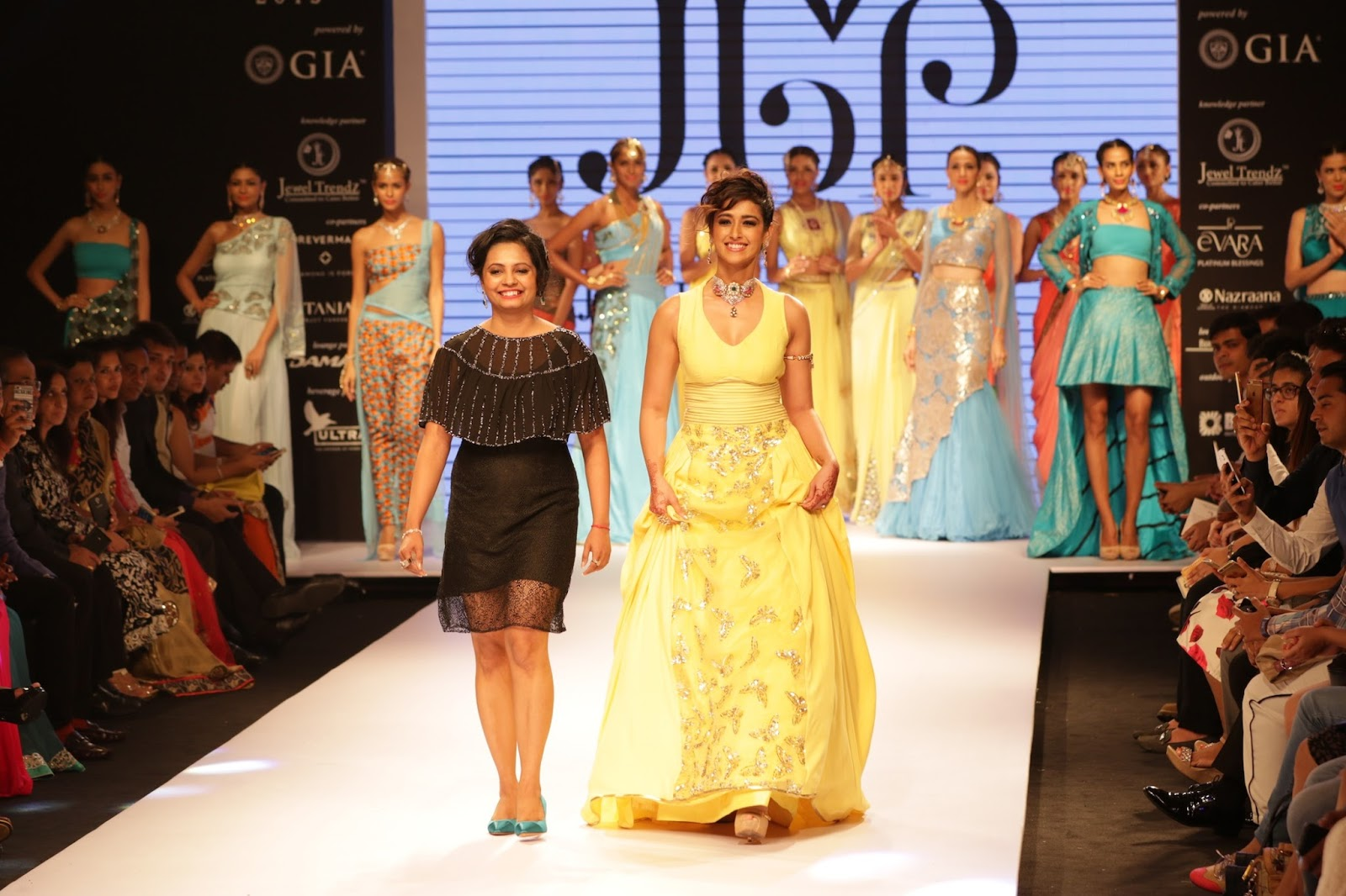 Ileana Ramp Walk Stills at IIJW 2015-HQ-Photo-23